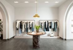"Janson Goldstein creates ""bicoastal"" atmosphere at ALC clothing boutique in New York - Dr Wong - Emporium of Tings. Shop Interior Design, Retail Design, Store Design, Alc Clothing, Boutique Clothing, Clothing Boutiques, Retail Boutique, Retail Shop, Chesterfield"