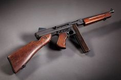 Thompson M1A1 ... the Military 'TOMMY GUN'   .45 ACP (11.43×23mm)
