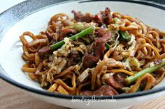 Shanghai Noodles with Chicken Shanghai Noodles, Napa Cabbage, Asian Recipes, Ethnic Recipes, Chinese Cabbage, Oyster Sauce, Hoisin Sauce, Noodle Recipes, Wok