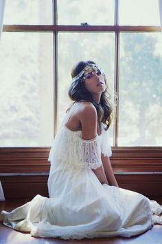 This is exactly what I'd want if I ever get married... Boho bride :)  Very cute I just don't know if i would do it.