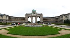 Self-guided walking tour map through ten major sights in Brussels (Bruxelles), Belgium