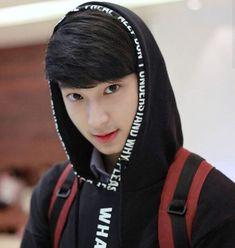 Chimon😍 Korean Boys Ulzzang, Cute Korean Boys, Ulzzang Boy, Asian Boys, Ideal Boyfriend, Boyfriend Photos, Crying Girl, Young Cute Boys, Cute Gay Couples