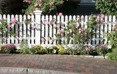 Graphics by Marilyn: Lara& Den: ~ The White Picket Fence White Picket Fence, White Fence, Picket Fences, Fence Design, Garden Design, Front Yard Fence, Garden Cottage, Garden Fencing, Front Yard Landscaping