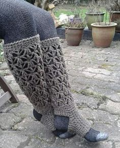 Crochet Diy Crochet Socks Free Pattern - Our post is filled with lots of great ideas including crochet yoga socks pattern free tutorials, crochet yoga mat pattern and loads more you'll adore. Crochet Socks Pattern, Crochet Boot Cuffs, Crochet Leg Warmers, Crochet Boots, Crochet Slippers, Diy Crochet, Crochet Crafts, Crochet Clothes, Crochet Projects