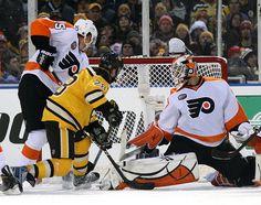 2010 NHL Winter Classic | ... Flyers 1 (OT) - The 2010 NHL Winter Classic - Photos - SI.com