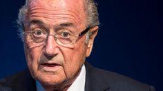 + Fußball, Transfers, Gerüchte +: Blatter will zur WM 2018 reisen