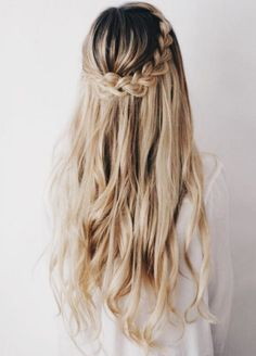 Half braided hairstyle with Ash Blonde Luxy Hair extensions <3 @kassinka