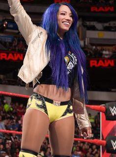 Yellow Attire looks good on you! Sasha Banks Instagram, Wwe Sasha Banks, Wrestling Divas, Women's Wrestling, Wwe Girls, Wwe Ladies, Wwe Female Wrestlers, Black Wrestlers, Wwe Pictures