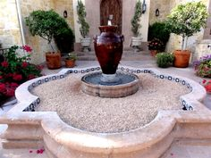 Porcleain Mexican Talavera tile in a fountain in central Texas during a hard winter freeze Spanish Style Homes, Spanish House, Colonial, Home Fountain, Mexican Home Decor, Hacienda Style, Entrance Design, Garden Soil, Gardening