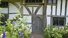 Alfriston Clergy House in East Sussex.  I love oak framed house, whether they are old or new.  This is just beautiful.