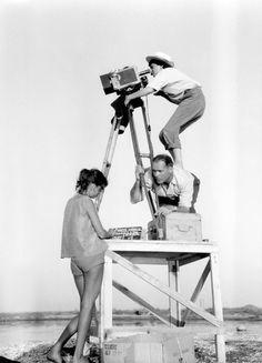 Agnés Varda (1928) Bélxica. Película na exposición: Los espigadores y la espigadora (2000): https://www.pinterest.com/pin/568509152931506573/