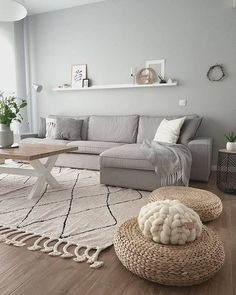 Minimalist Living Room Ideas - Looking to improve as well as fine-tune your space? Below minimalist living rooms that will motivate your spring-cleaning efforts. Home Living Room, Interior Design Living Room, Living Room Designs, Living Room Decor, Interior Paint, Apartment Living, Comfortable Living Rooms, Cozy Living, Minimalist Living
