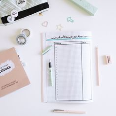 Tips and ideas for a creative magazine design - Office Designs Organization Bullet Journal, Bullet Journal Layout, Bullet Journal Inspiration, School Organisation, School Motivation, School Notes, Create And Craft, Magazine Design, Ideas Magazine