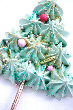 Cupcakes, Cupcake Cakes, Macarons, Cupcake Shops, Meringue Cookies, Cake Business, Food Decoration, Christmas Cookies, Food And Drink