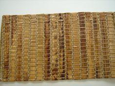 Tapete Dom Daqui, feito em tear manual, no Brasil. Aceitam-se encomendas. Largura máxima sem emenda - 6 metros. Prazo de entrega - 40 dias