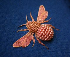 Elaborate Embroidery by Laura Baverstock Forms Insects and Animals from Precious Metals and Colored Threads (Colossal) Mary Queen Of Scots, Bee Embroidery, Hand Embroidery Designs, Zardosi Embroidery, Couture Embroidery, Embroidery Fashion, Embroidery Ideas, Textile Fiber Art, Textile Artists