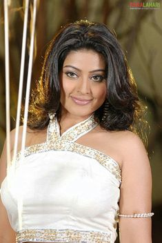 Viewing Actress Sneha Gallery - Hot Sneha Pics 51 in Sneha Gallery. Browse more Photos of Sneha at Kollywood Zone's Sneha Image Gallery. Sneha Actress, Costumes Around The World, Perfect Figure, Half Saree, India Beauty, Cool Costumes, Actress Photos, Hollywood Actresses, Beautiful Actresses