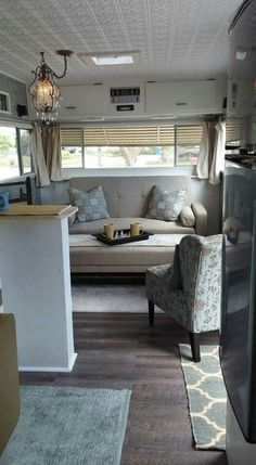 Quick And Easy Ways To Remodel Your Rv Into Your Second Home - adventure and living Travel Trailer Decor, Travel Camper, Travel Trailers, Rv Living, Tiny Living, Living Spaces, Mobile Living, Rv Homes, Camping Glamping