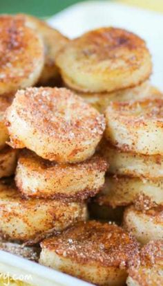 Learn how to use overripe bananas before they go to waste. Banana Snacks, Snack Recipes, Dinner Recipes, Overripe Bananas, Crockpot, Slow Cooker, Fries, Brunch, Breakfast
