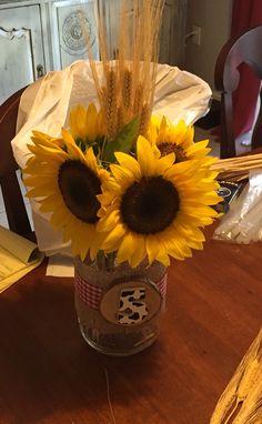 Sunflowers in Mason Jar! Wild One Birthday Party, 90th Birthday Parties, Cowboy Birthday, Farm Birthday, Cowboy Centerpieces, Birthday Centerpieces, Cowboy Theme Party, Farm Party, Gator Party
