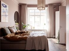 A sweet bedroom and kitchen to see life in pink - PLANETE DECO a homes world Scandinavian Apartment, Scandinavian Design, Terrazzo, Swedish Interiors, 1950s House, Blog Deco, Decoration, House Colors, Bedroom Decor