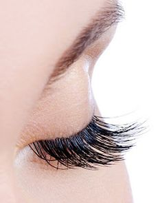 Classy Cosmetics: Lash Out