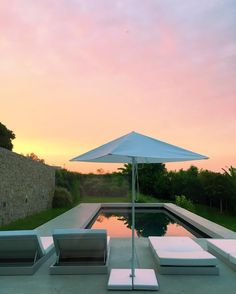 Mimi Ikonn Travel Nice South of France Pink Sky Morning Motivation
