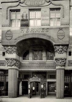 Hermes - nem a francia divat hanem a magyar ertekvalto Old Pictures, Old Photos, Central Europe, Budapest Hungary, Art Nouveau, Art Deco, Historical Photos, Big Ben, Abandoned
