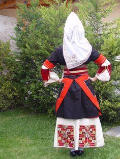 episkopi-imathias Greek Costumes, Dance Costumes, Greek Traditional Dress, Greek Apparel, Alexander The Great, Greek Clothing, Greeks, Folk Costume, Macedonia