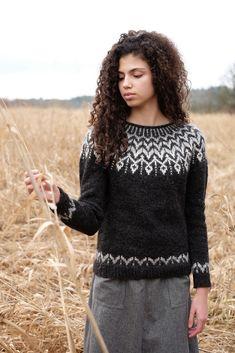 Ravelry: Dreyma pattern by Jennifer Steingass Jumper Knitting Pattern, Knitting Wool, Aran Jumper, Icelandic Sweaters, Sweater Design, Knitting Designs, Knit Patterns, Crochet Clothes, Long Sleeve Sweater