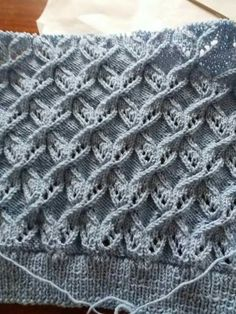 Best Beautiful Easy Knitting Patterns - Her Crochet Lace Knitting Stitches, Lace Knitting Patterns, Cable Knitting, Easy Knitting, Knitting Designs, Diy Crafts Knitting, Herringbone Stitch, Tutorial Crochet, Cardigan Pattern