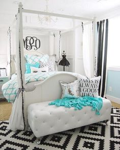 Absolutely in love with this Tiffany inspired bedroom from @homebyheidi!  Can you spy  the PBteen item? #mypbteen
