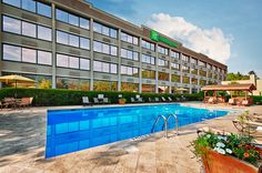 2. Holiday Inn 5 min to Hidden River, <$250  rated 4/5 (Pate/Schlafer reserved block rooms - $139.99)