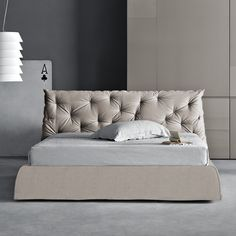 $2402 Pianca USA Impunto Platform Bed
