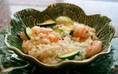 Risotto gamberi e zucchine - Provate anche voi a preparare il risotto gamberi e zucchine con il Bimby, ecco le istruzioni per avere un ottimo primo piatto adatto a tutte le occasioni, perfetto per pranzo anche se avete ospiti.