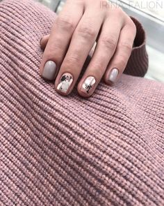 39 Stunning Minimalist Nail Art for Everyday Style - Uñas - Minimalist Nails, Nail Manicure, Nail Polish, Manicures, Nail Art Designs, Ten Nails, Chrome Nails, Super Nails, Nagel Gel