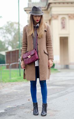 Wear a long tailored car coat over your casual jeans and sweater look to look instantly pulled-together.