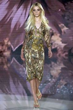 Versace Spring 2006 Ready-to-Wear Collection Photos - Vogue