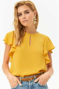 Forever 21 is the authority on fashion & the go-to retailer for the latest trends, styles & the hottest deals. Shop dresses, tops, tees, leggings & more! Hijab Fashion, Fashion Outfits, Womens Fashion, Clothing Hacks, Latest Trends, Chiffon, Spring Fashion, Stylish, Blouse