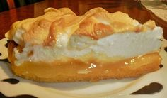 Lemon-Lime Meringue Pie by Denise Blackman-- using a variation of this recipe (from food and wine's 1984 cookbook-- can't find the version i'm using online) for a friend's birthday tomorrow. Dessert Party, Köstliche Desserts, Delicious Desserts, Yummy Food, Lime Meringue Pie, Desserts Around The World, Trifle Pudding, Sweet Pie, Mini Pies