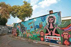 Rua Gonçalo Afonso, na Vila Madalena, São Paulo, SP, Brasil. O Beco do Batman é um local lotado de grafites, mostra-se um bom lugar para tirar fotos bem descoladas.