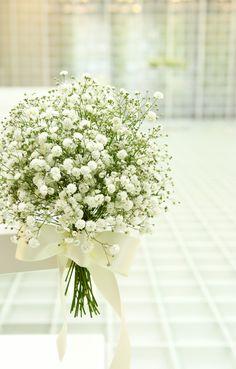 #kyusakuranomiyakokaido#novarese#vressetrose#wedding #white#chapel #Flowew #Bridal#結婚準備 #旧桜宮公会堂#ノバレーゼ#ブレスエットロゼ #ウェディング #チャペル#ナチュラル # ブライダル#教会#バージンロード#挙式#ホワイト#グリーン#カスミ草#ブレスエットロゼ大阪 Lily, Table Decorations, Home Decor, Ornaments, Decoration Home, Room Decor, Orchids, Home Interior Design, Lilies