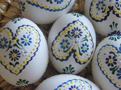 Hobbies And Crafts, Diy Crafts For Kids, Easter Paintings, Clay Wall Art, Carved Eggs, Egg Tree, Ukrainian Easter Eggs, Easter Tree, Tree Crafts