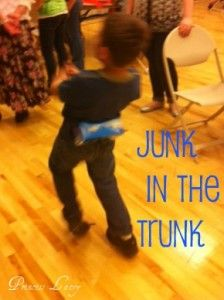 Junk in the Trunk! Take an empty tissue box and attach a belt or fabric to it so it can be tied around the waist. Put 8 ping-pong balls in the box. The object is to shake all the balls out in under a minute! Kids Party Games, Birthday Party Games, Party Activities, Fun Games, Games For Kids, Indoor Activities, Family Game Night, Family Games, Trunk Game
