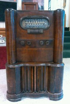 1941 RCA Art Deco Console Tube Radio | Console units look just as gorgeous when they wear their history.