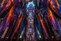 3次元超えてるだろ… 驚異の浮遊感「ケルン大聖堂」内部で行われたプロジェクション・マッピングが完全に魔法