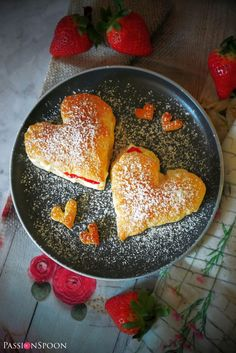 Puff pastry hearts; a sweet treat - PassionSpoon recipes Sweet Treats, Strawberry, Hearts, Easy, Desserts, Recipes, Food, Tailgate Desserts, Sweets