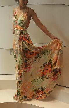 Vestido de fiesta en seda, con estampado floral. Etxart & Panno. SS15