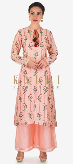 Buy Pink Plunge Neck Floral Print Bell Sleeve Slit Dress for Women at Fashiontage. Wrap Dress Floral, Maxi Wrap Dress, Slit Dress, The Dress, Modest Dresses, Plus Size Dresses, Shift Dresses, Maxi Dresses, Casual Dresses