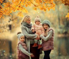 СЕМЬЯ Extended Family Photography, Family Posing, Family Portraits, Outdoor Photography, Photography Photos, Creative Photography, Winter Mode, Fall Family, Fall Photos